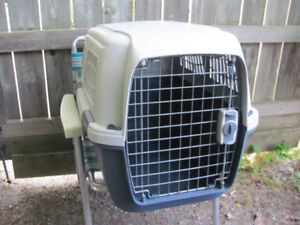 """Used Small Dog Pet Crate Carrier 27 3/4"""" x 19 1/2"""" x 20 1/4"""""""