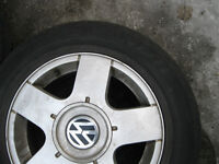 A vendre 4 mags 15 pouces VW, JETTA, GOLF NEW BEETLE TDI,