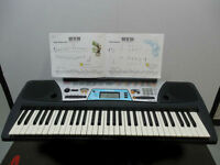 Yamaha Beginner Keyboard PSR 170 W Adapter and book