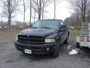 2001 Dodge RAM 1500 SLT Sport Pickup Truck