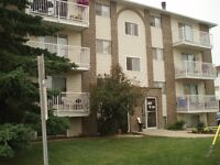 Westbrook Manor~Great Incentive~Close to Hospital&College