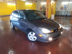 04 Focus ZX5 hatchback, loaded, great on fuel