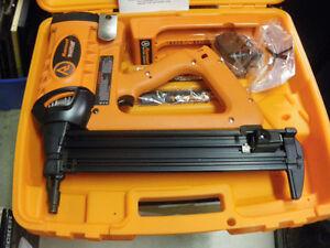 Ramset  TF1200  Trakfast  nailing gun