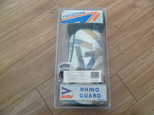 Selling Pair of NEW Mitre Rhino Guard/Shin Guards SENIOR SIZE