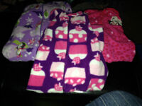 Lots of 2T Girl's Clothes!!!