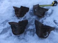 4 vintage cast iron wheeled feet