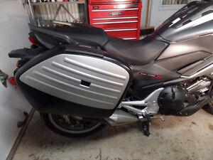 Moto NC750xdg DCT pour nouveau concept une des premiere moto