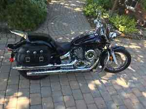 Yamaha V-Star 1100cc - MINT CONDITION !