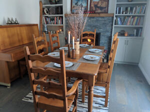 Distressed Pine Dining Set with 6 Chairs