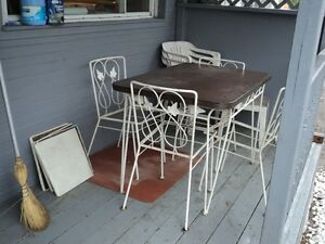 Wrought iron table & chairs