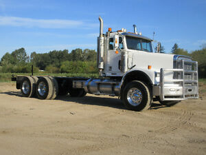 2005 Freightliner 120SD HEAVY SPEC - 20K Front - LOOKS WOW!!!