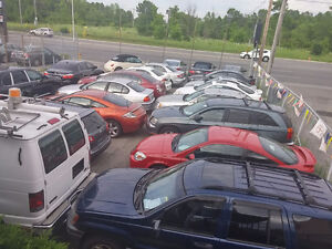 Terrain de vente d'auto a louer