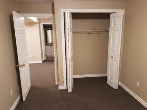Room for rent, close to western university London Ontario image 2