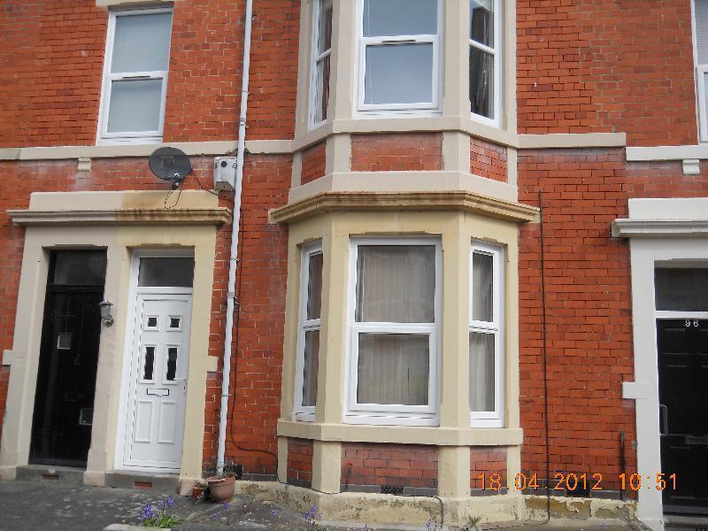 2 bedroom flat in Glenthorn Road JESMOND (GLENT98)