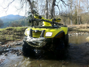 Suzuki 700 V-twin 4x4 with lift and winch
