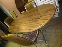 FAPO: Retro dining table with 3 chairs matching set