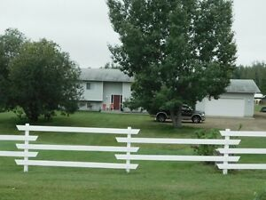 Acreage minutes from Sherwood Park with Horse Pasture