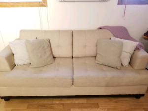 Beau sofa et causeuse moderne modèle Edgewood!