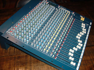 Console Allen and Heath Mix Wizard 16:2 dx