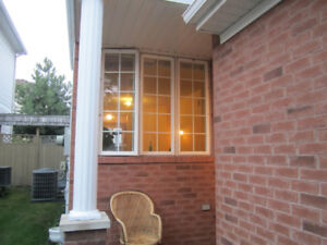 Room in a shared house close to Merivale Rd & Clyde ave