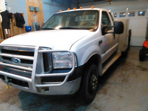 2007 Ford E-350 XLT 4X4 Dually Low KMs