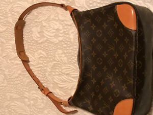 Authentic Louis Vuitton Monogram Boulogne Purse