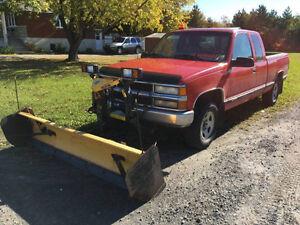 98 Chevrolet Cheyenne avec gratte pour déneigement