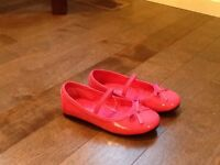 Girl's pink shoes