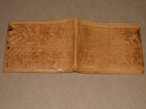 Very old authentic Egyptian Wallet w/ Hieroglyphic design West Island Greater Montréal image 3