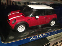 1-18 Diecast autoart Mini Cooper red mint City of Montréal Greater Montréal Preview