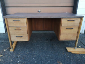 FREE Wood Desk