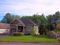 2 mins from the ski slopes-Bromont Home for Rent!