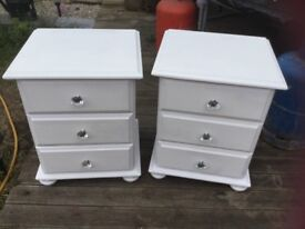 Pair bedside units