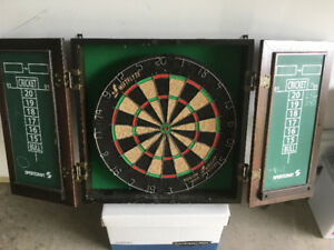 Dart Board with Wall Case