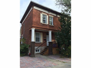 4+1 Bedroom uOttawa Students / Prime Sandyhill Avail. June 1st