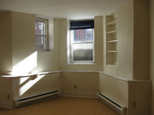 Large 2-bedroom Uptown 181 Princess includes utilities Decembber