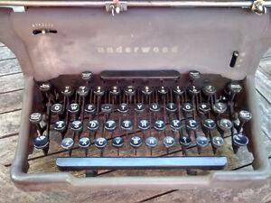 Dactylo Underwood Typewriter