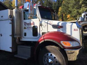 Peterbilt mechanics truck