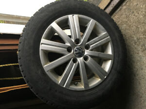 4 Mags Volkswagen avec pneu Hiver