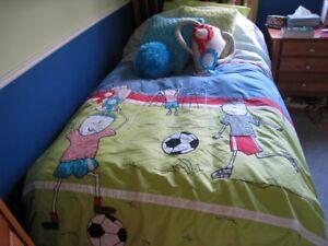 Housse de couette et coussins, lit simple / literie pour enfant