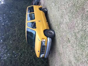 2000 Ford E-Series Van Work Minivan, Van