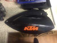 Ktm 620 lc4 rear side panel