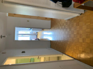 Spacious 3 1/2 Apartment for Lease Transfer, Great Location