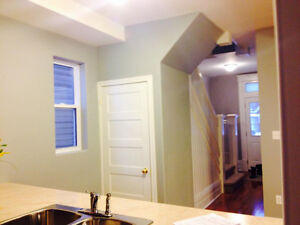 Beautiful Home Downtown Peterborough! ALL INCLUSIVE JAN-MAY Peterborough Peterborough Area image 2