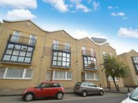 1 bedroom flat in Rotherhithe Street, Rotherhithe SE16