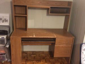 Desk and chair for sale London Ontario image 3