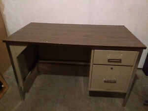 Metal desk with 2 drawers