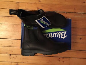 Blundstone boots- brand new (men's 9/ women's 11)