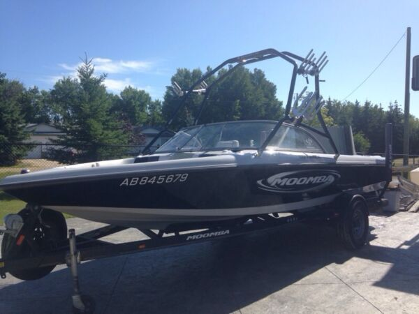 Used 2004 Moomba outback ls