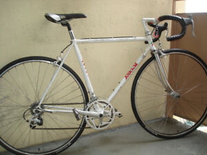 VINTAGE ROSSI 12 SPEED RACE-ROAD BIKE.